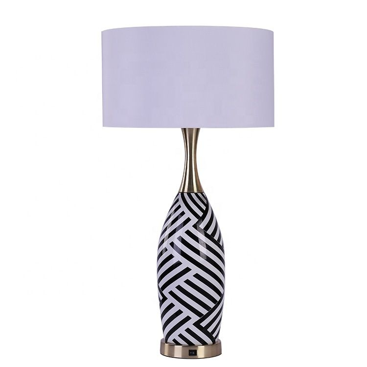 DECORATIVE CUSTOM CERAMIC BODY TABLE LAMP FOR INTERNATIONAL HOTEL PROHECT